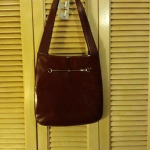 SUPER STYLISH AUTHENTIC GUCCI PATENT LEATHER PURSE